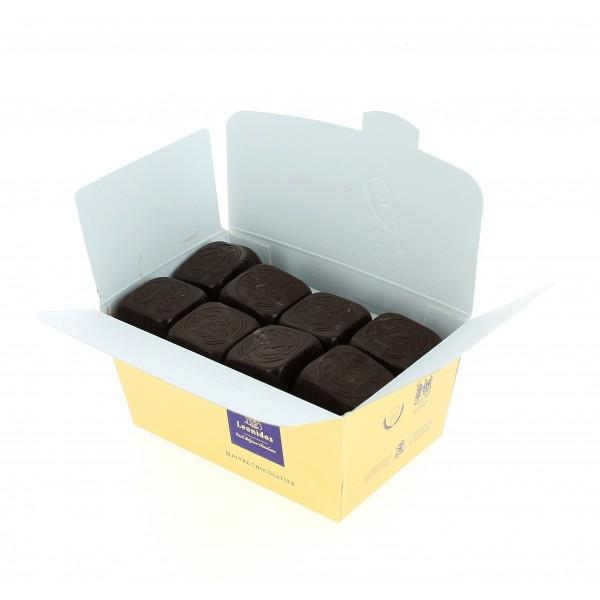 Le Breton garni de 345g de Chocolats Léonidas.