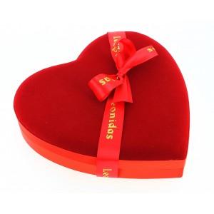 Maxi cœur velours garni de 380g de Chocolats Leonidas