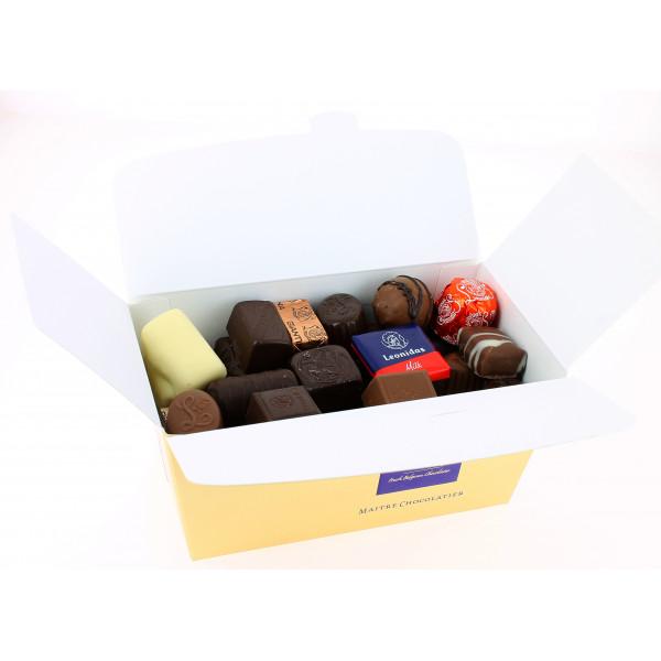 Carton de 15 ballotins 750 g de Chocolats Leonidas assortis
