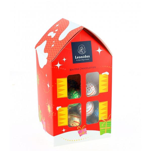 Maisonnette taille M garnie de 400 de chocolats Leonidas de Noël.